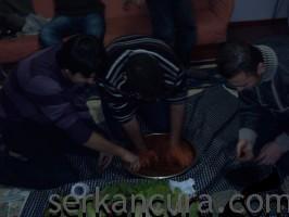çiğ köfte ve mevlüt abinin yorulmuş hali :)